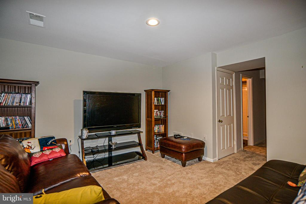 Brand new carpet throughout lower level - 6510 WESTMORE CT, SPRINGFIELD