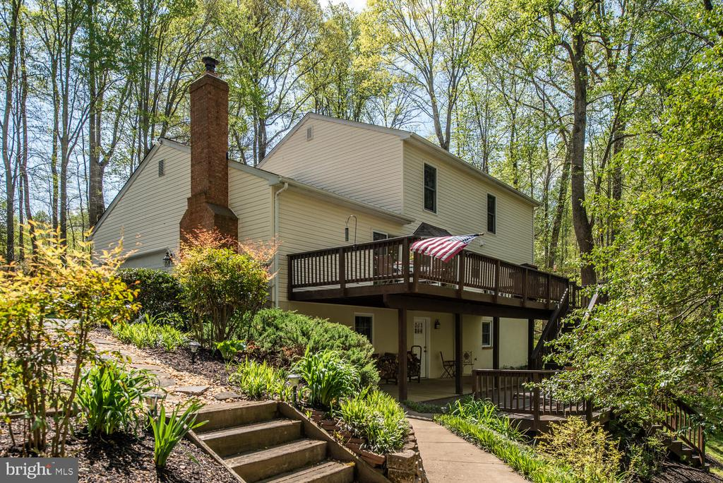 Extensive landscaping.... - 325 SANDY RIDGE RD, FREDERICKSBURG