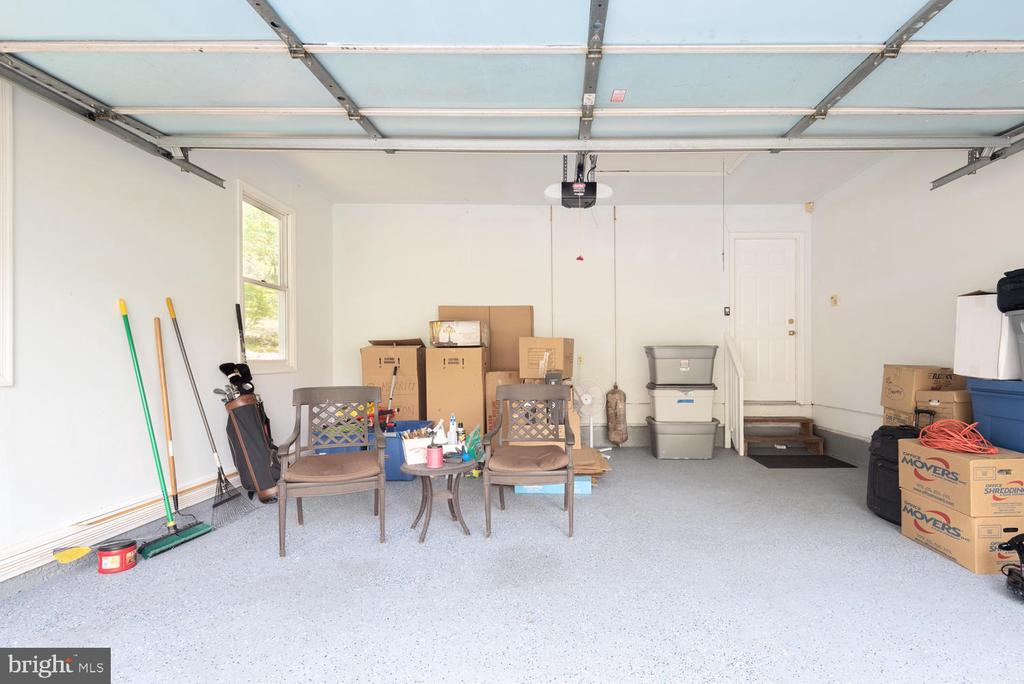 Interior attached garage with remote opening. - 325 SANDY RIDGE RD, FREDERICKSBURG