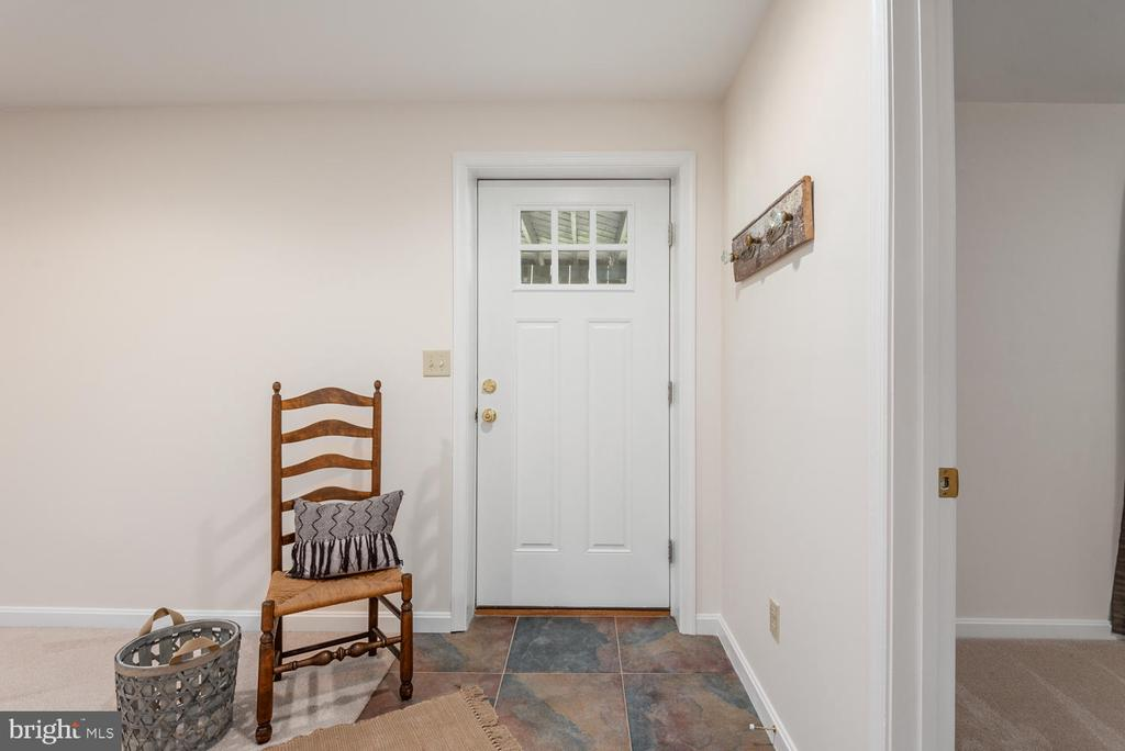Lower level separte entrance. - 325 SANDY RIDGE RD, FREDERICKSBURG
