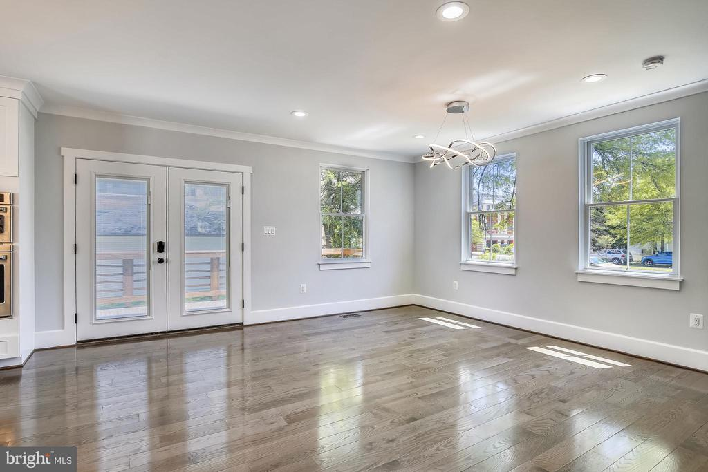 Bright, wide open dining. Room for a large table. - 705 N BARTON ST, ARLINGTON
