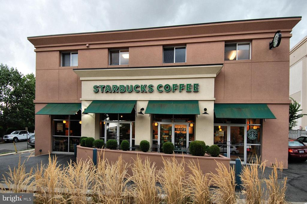 Walk to Starbucks when the weather is nice - 705 N BARTON ST, ARLINGTON