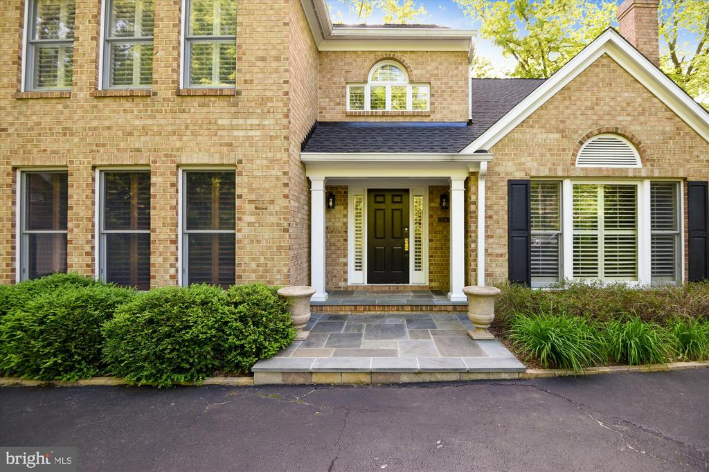Welcome home! - 236 MOUNTAIN LAUREL LN, ANNAPOLIS