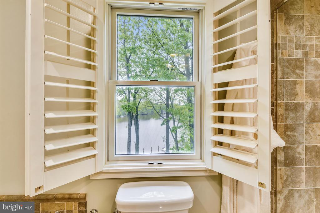 Master bath view - 236 MOUNTAIN LAUREL LN, ANNAPOLIS