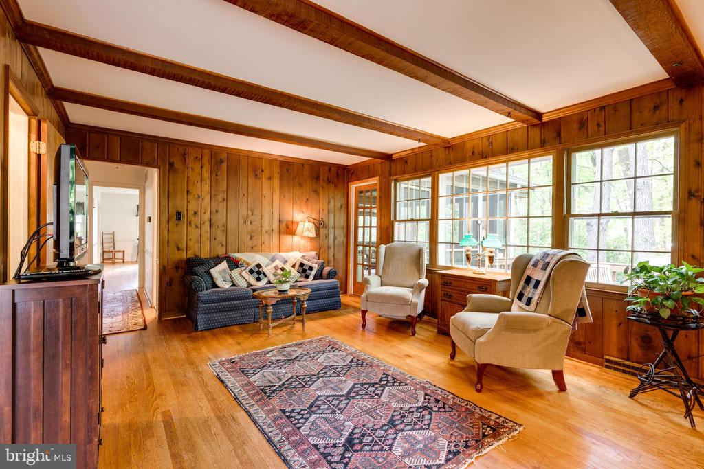 Cozy Family Room leads to screened porch - 3634 CAMELOT DR, ANNANDALE