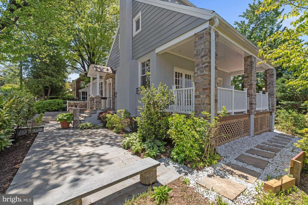 Wrap around deck/Side of house - 4438 42ND ST NW, WASHINGTON