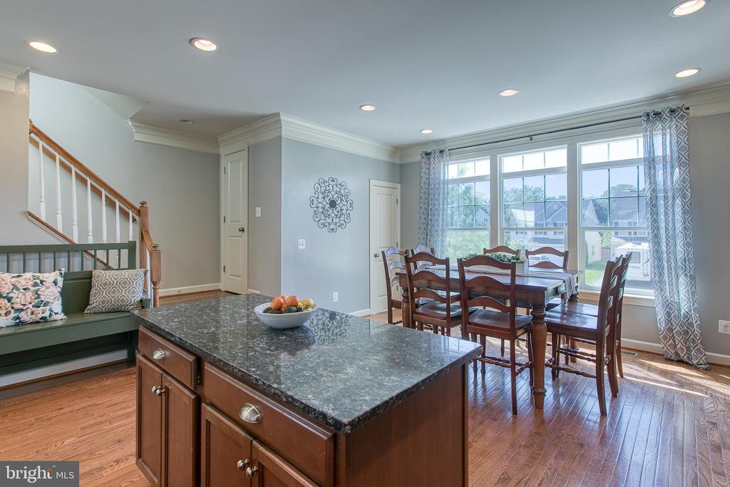 Kitchen and dining room. - 214 WOODSTREAM BLVD, STAFFORD