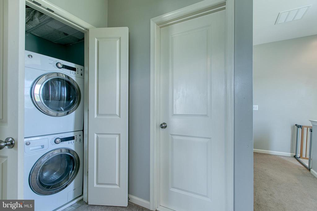 Stack-able washer and dryer closet on 3rd floor. - 214 WOODSTREAM BLVD, STAFFORD