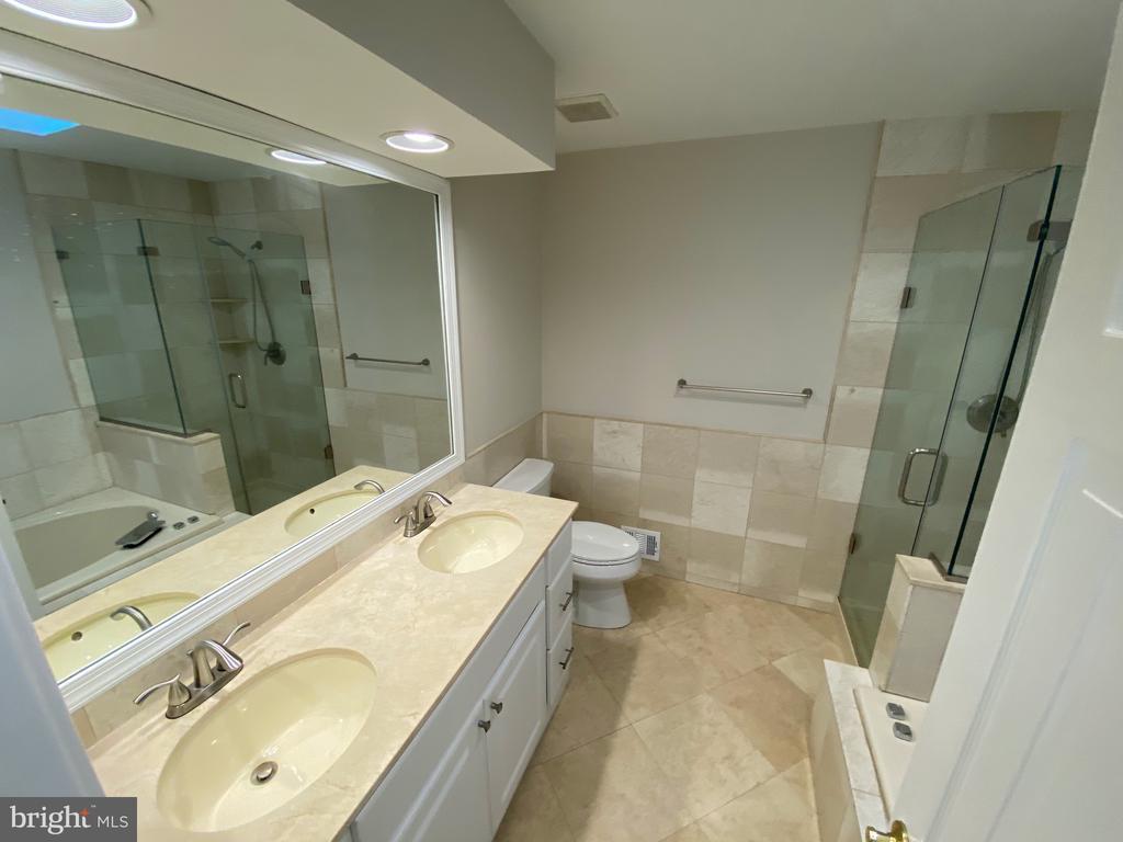 Master Bath - 1401 HUNTING WOOD RD, ANNAPOLIS