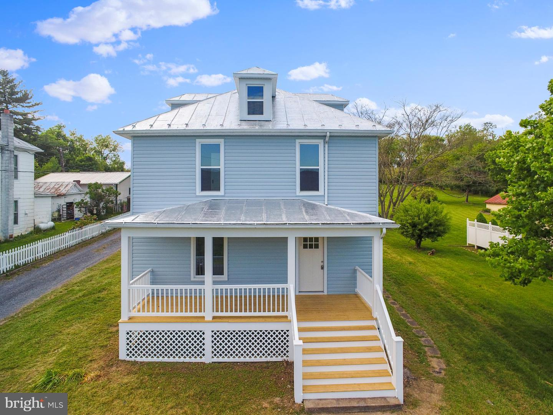 Single Family Homes のために 売買 アット Toms Brook, バージニア 22660 アメリカ