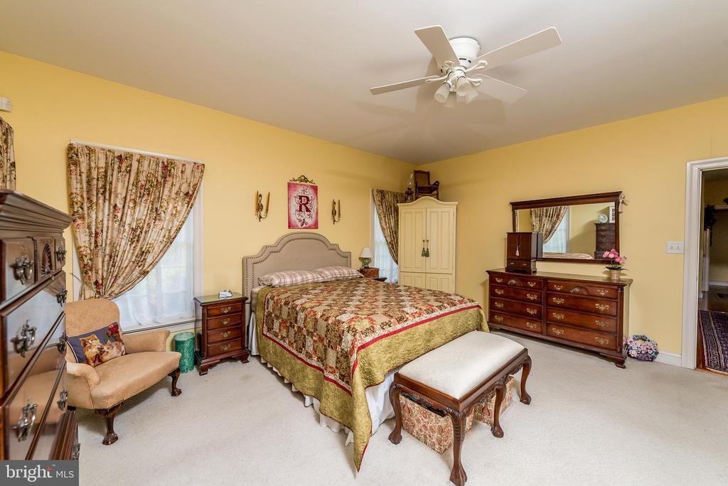 Main Level Master Bedroom - 1188 LOST RD, MARTINSBURG