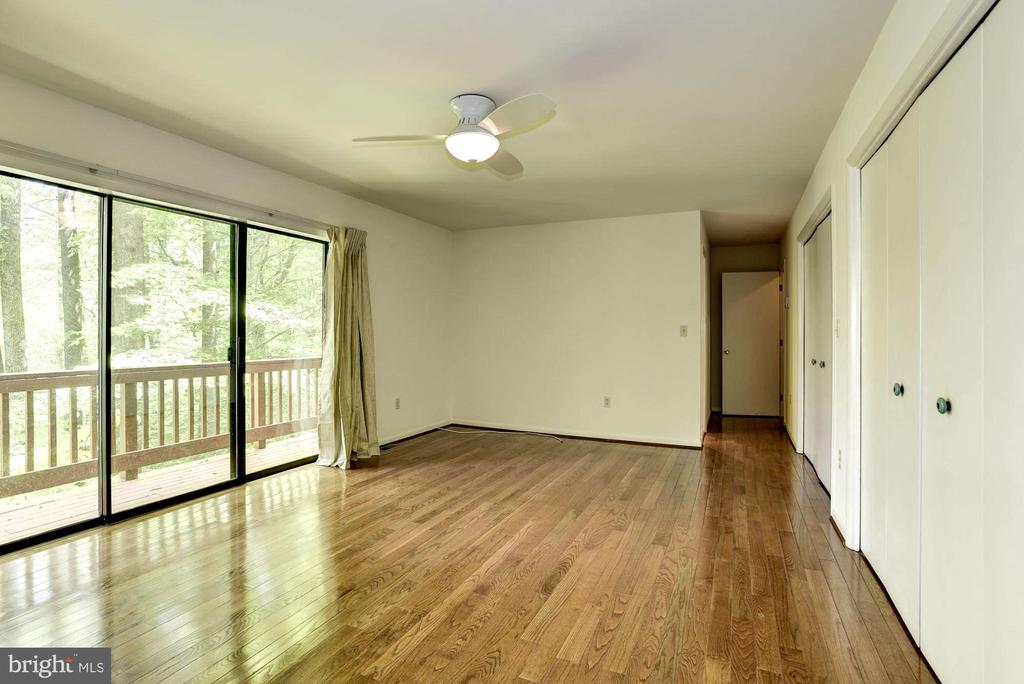 Generous Master Suite with Wall of Windows - 1693 ALICE CT, ANNAPOLIS