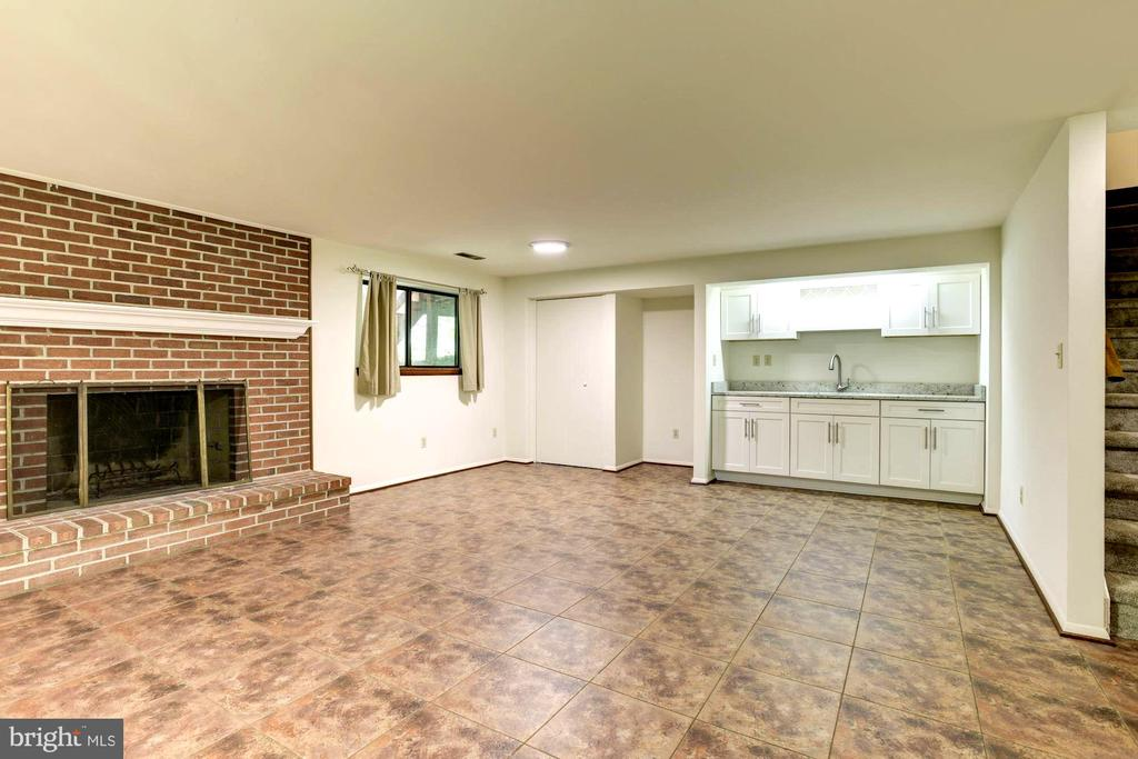 Recreational Lower Level with Brick Fireplace - 1693 ALICE CT, ANNAPOLIS