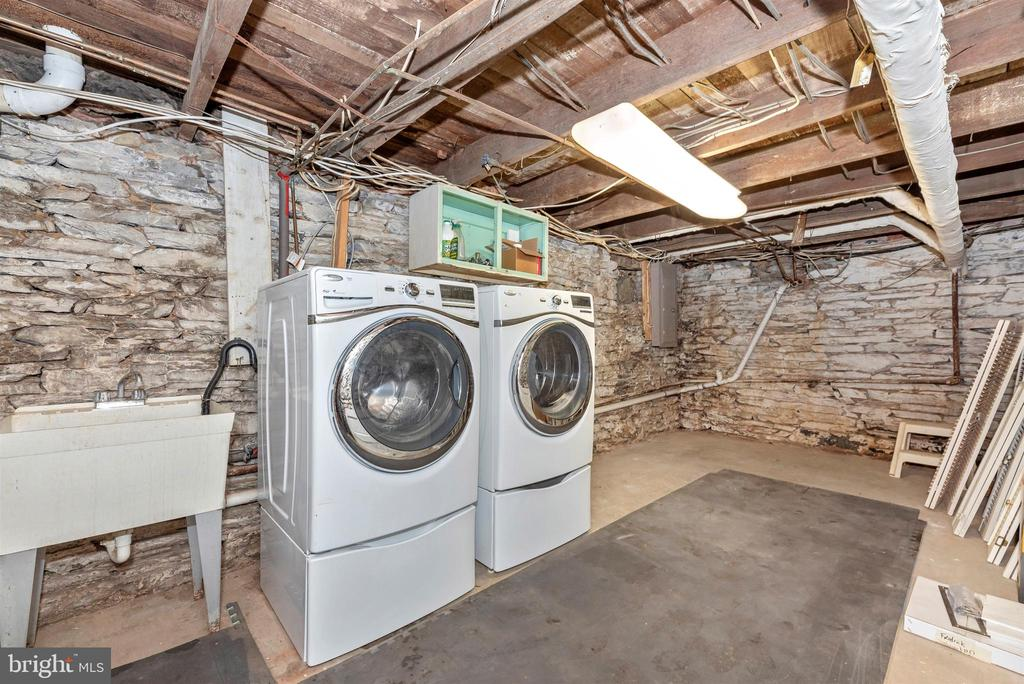 Laundry area w/wash tub - 137 W 3RD ST, FREDERICK