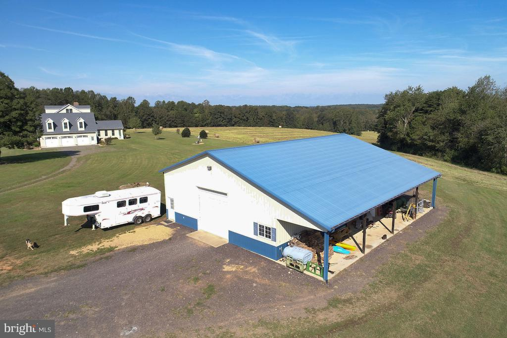 40 X 60 Steel Barn/shed/workshop - 2921 DUCKER DR, LOCUST GROVE