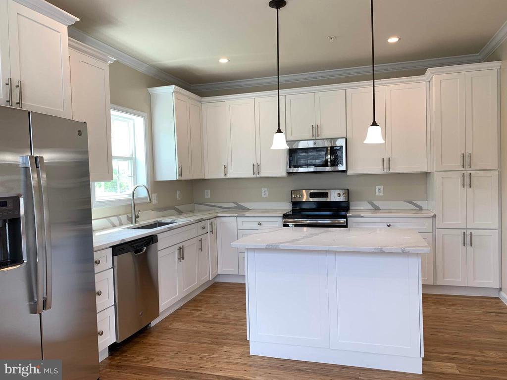 Kitchen with ample counters and cabinets - 5509 C ST SE, WASHINGTON