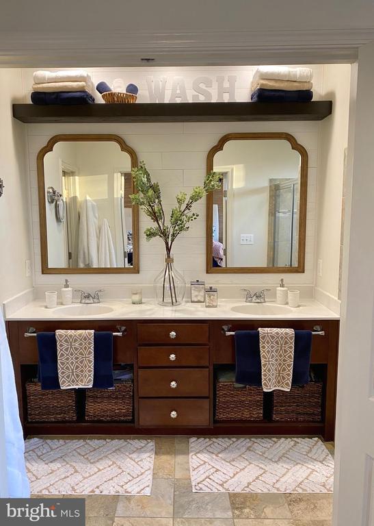Updated Master Bathroom - 22912 BOLLINGER TER, BRAMBLETON