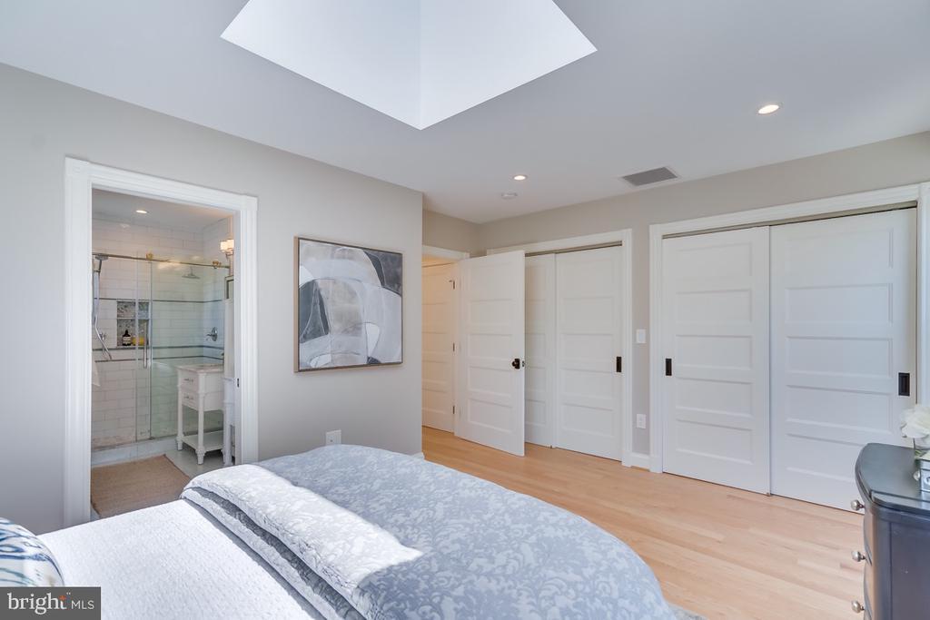 Expanded Large Master closet - 517 13TH ST NE, WASHINGTON
