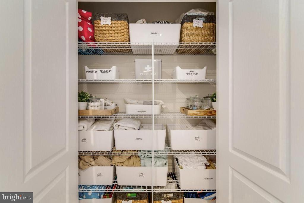 Linen Closet - 450 EMBREY MILL RD, STAFFORD