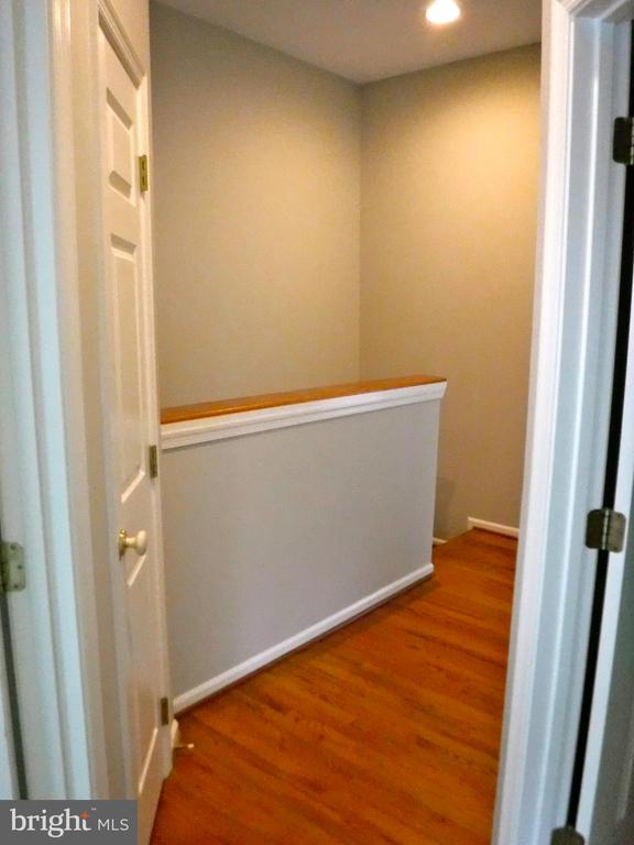 2nd floor hall, hardwood floor - 12062 ETTA PL, BRISTOW