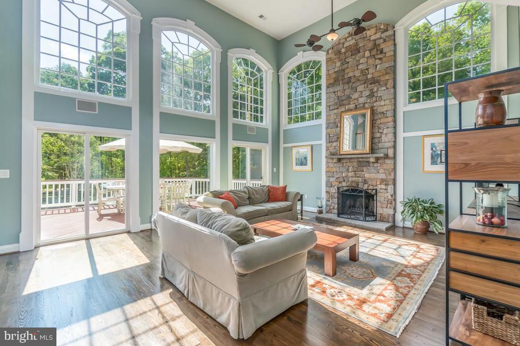 New hardwood floors and walls of windows - 5400 LIGHTNING DR, HAYMARKET
