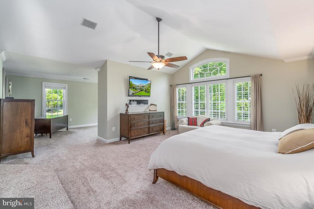 Master Bedroom  w/ view of separate sitting area - 5400 LIGHTNING DR, HAYMARKET
