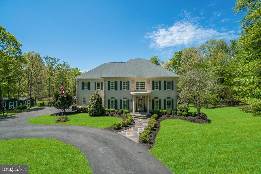 Exquisite Stucco & Stone Country Estate - 5400 LIGHTNING DR, HAYMARKET