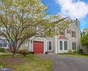 Stunning End Unit Townhouse Backing To Trees - 1542 DEER POINT WAY, RESTON