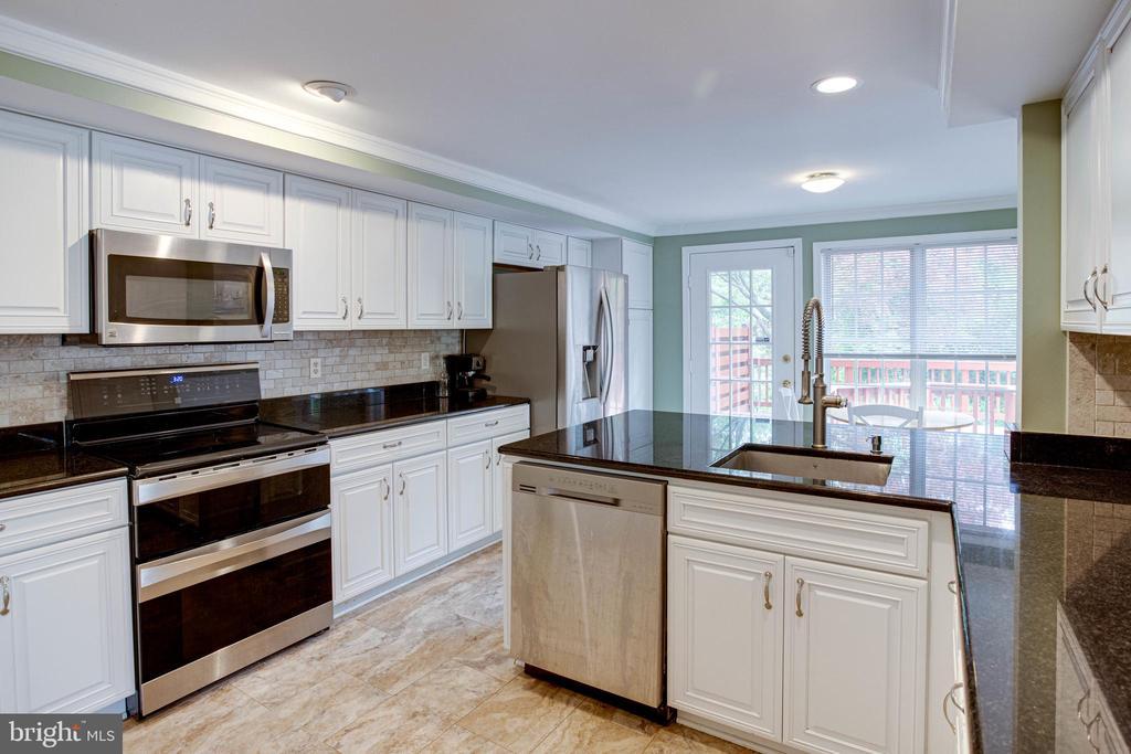 Kitchen with Stainless Steel Appliances - 1542 DEER POINT WAY, RESTON