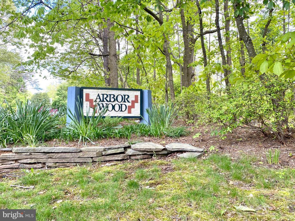 Arbor Wood Cluster - 1542 DEER POINT WAY, RESTON