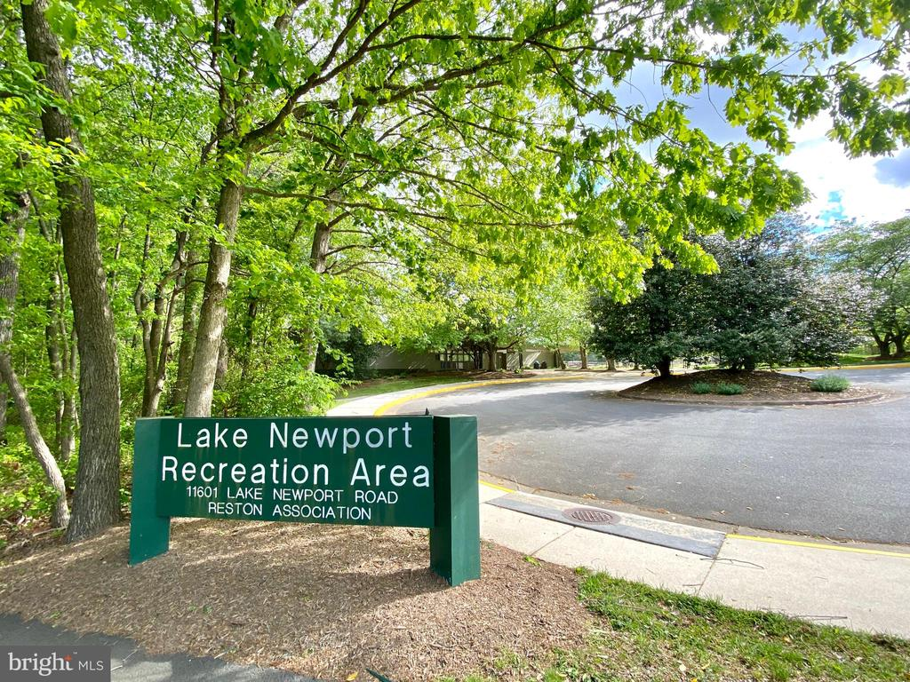 Nearby Community Pools and Recreation Area - 1542 DEER POINT WAY, RESTON