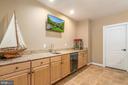 Lower level bar granite top and sink - 5400 LIGHTNING DR, HAYMARKET