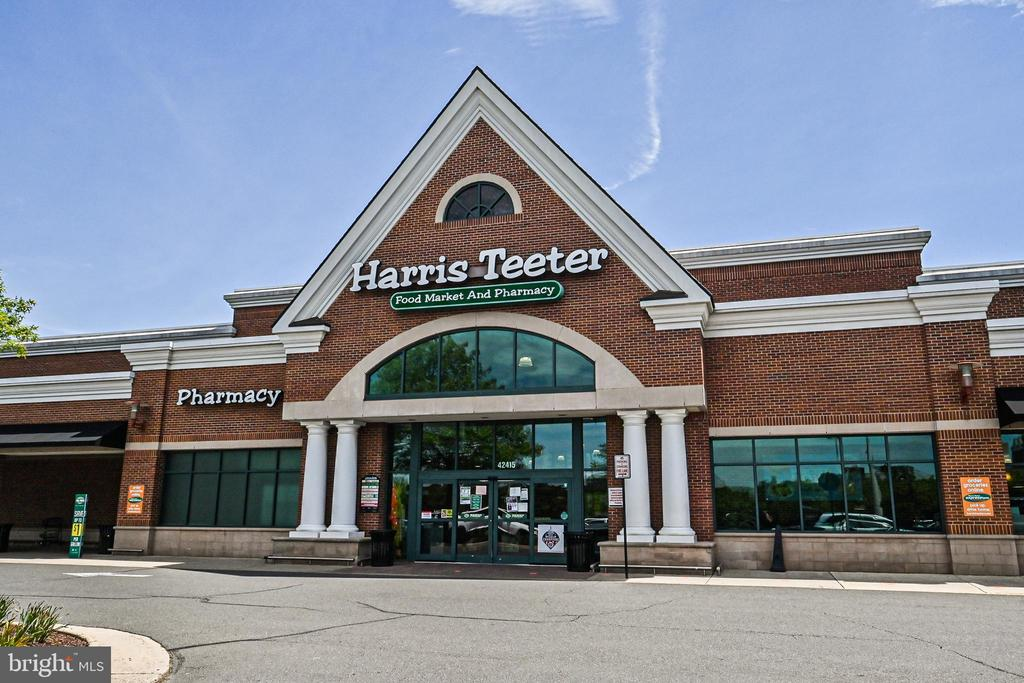 Local Harris Teeter - 22944 ROSE QUARTZ SQ, BRAMBLETON