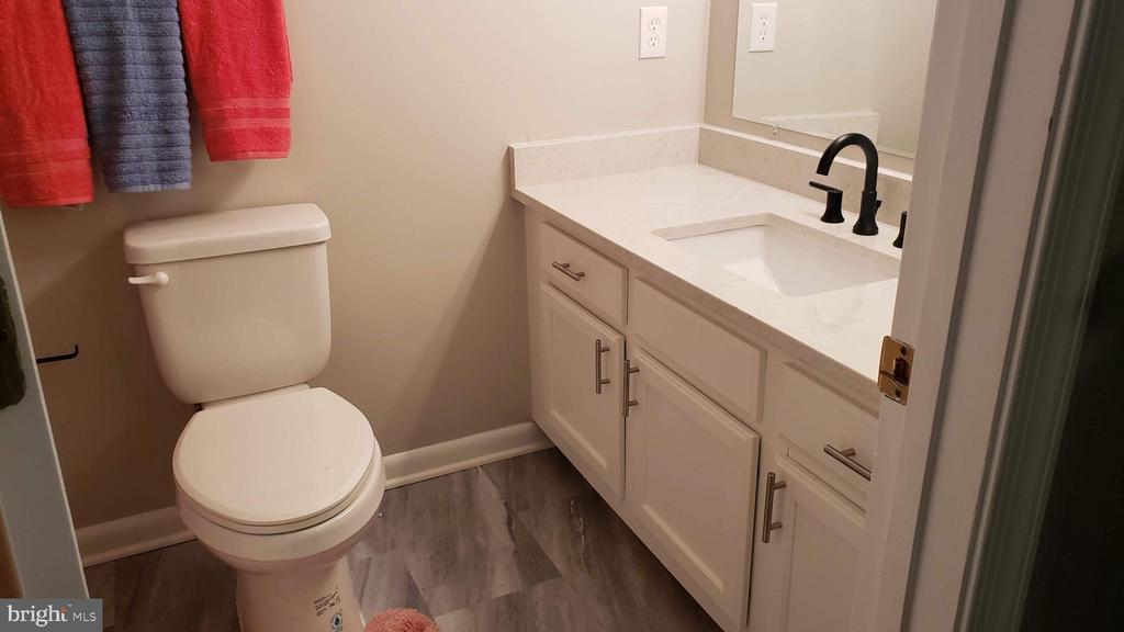 en suite bathroom - 2318 18TH ST NE #2318, WASHINGTON