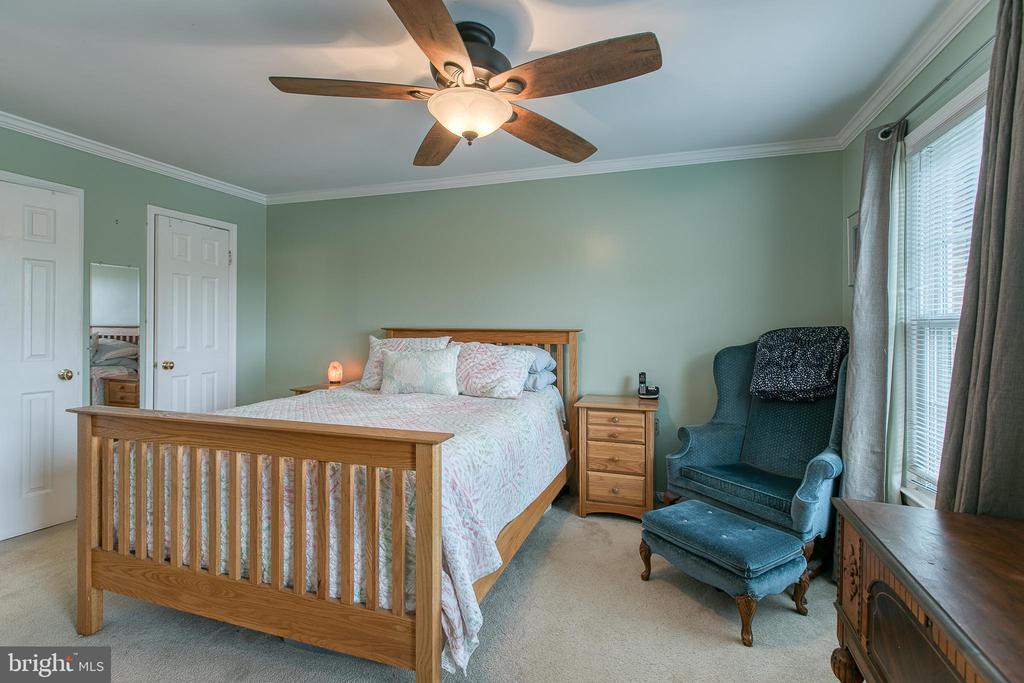 Master bedroom with 2 walk-in -closets. - 12153 STALLION CT, WOODBRIDGE