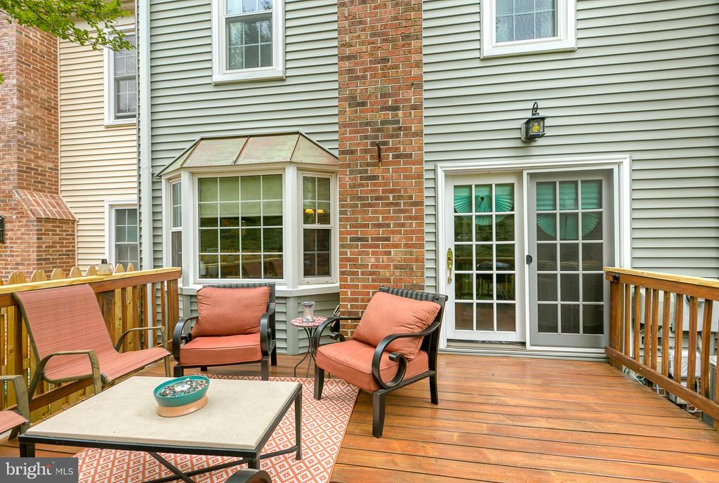 Can you see yourself entertaining on this? - 12153 STALLION CT, WOODBRIDGE