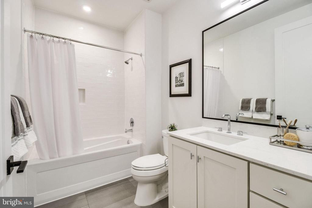 2nd full bathroom - 521 N WASHINGTON ST #201, ALEXANDRIA