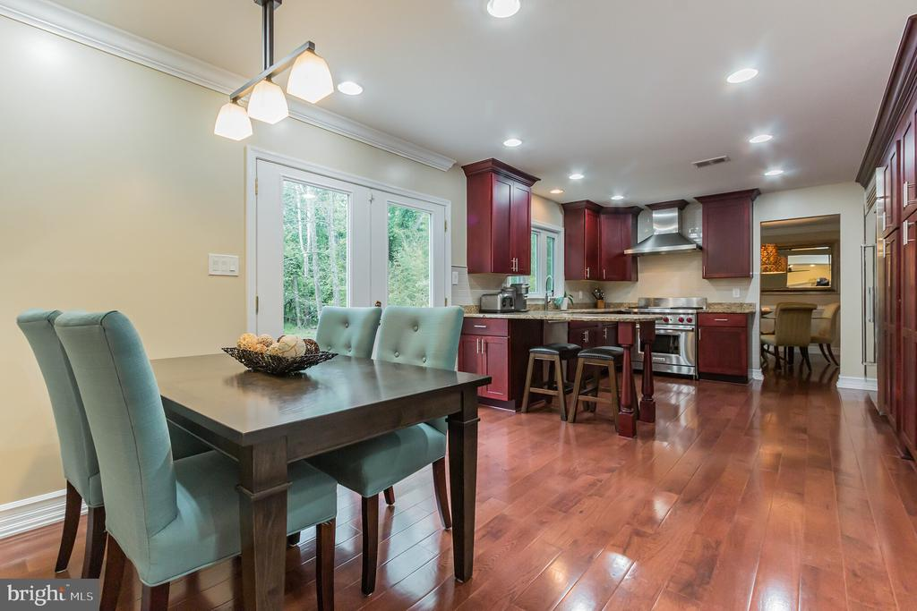 Eat-In Kitchen - 7613 DWIGHT DR, BETHESDA
