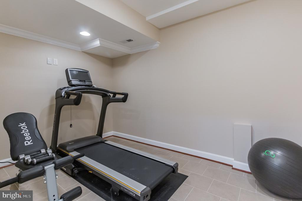 Home Gym - 7613 DWIGHT DR, BETHESDA