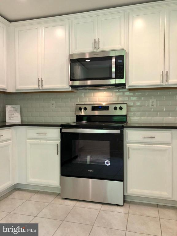 ALL NEW ENERGY EFFICIENT APPLIANCES - 10826 OLD ANNAPOLIS RD, FREDERICK