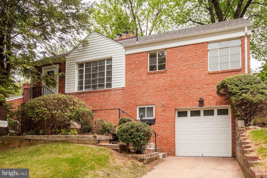 Welcome Home! - 4625 EDGEFIELD RD, BETHESDA