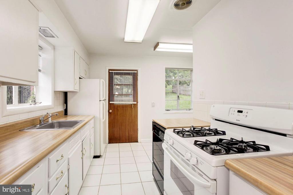 Kitchen - 4625 EDGEFIELD RD, BETHESDA