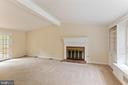 Great room with French Doors to back deck - 16194 SHEFFIELD DR, DUMFRIES