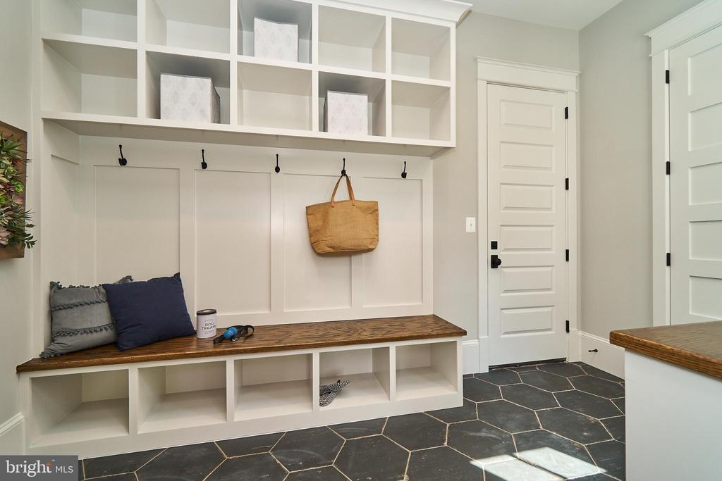 Mudroom - Same model, different location - 3526 N OHIO ST, ARLINGTON