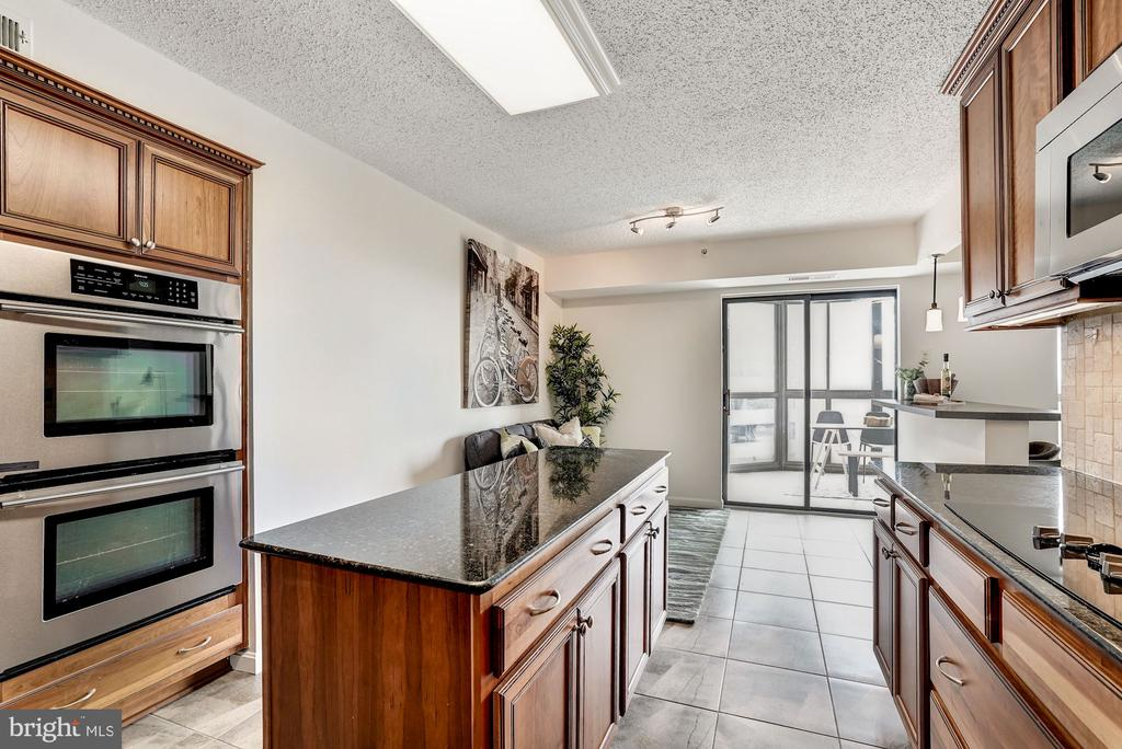 Kitchen with Double Wall Ovens - 1600 N OAK ST #1010, ARLINGTON