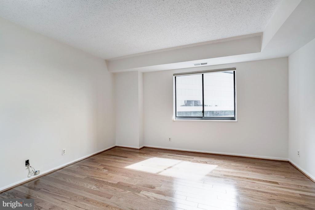 Second Bedroom - 1600 N OAK ST #1010, ARLINGTON