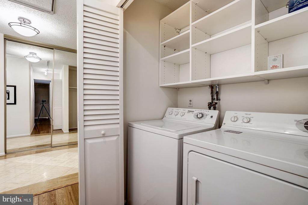 Laundry - 1600 N OAK ST #1010, ARLINGTON