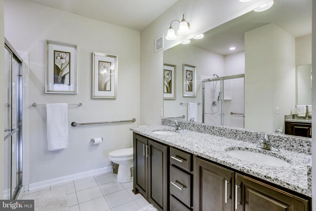 Master Bath-Dual Sinks, Upgraded Cabinets & Granit - 20505 LITTLE CREEK TER #203, ASHBURN