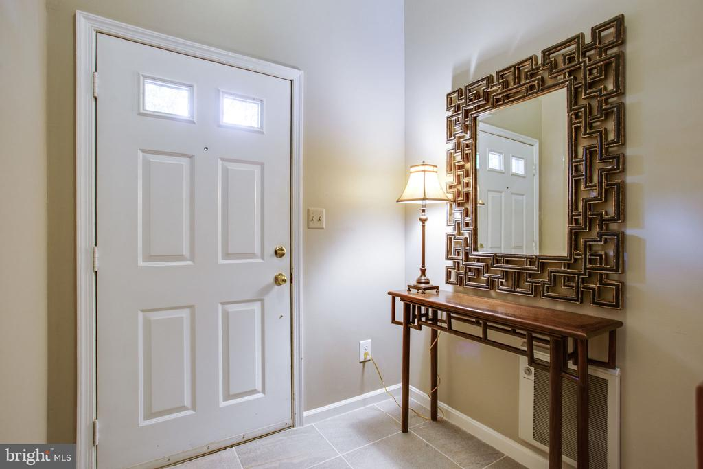 Welcoming Entry w/Ceramic Tile - 11218 HARBOR CT, RESTON