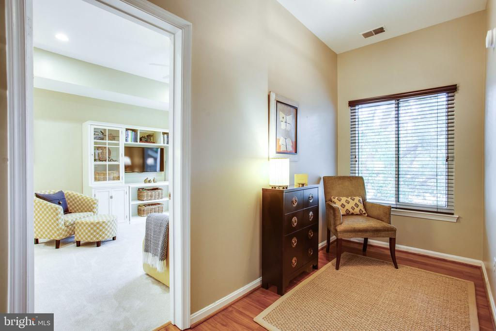 Cozy Reading Nook - 11218 HARBOR CT, RESTON